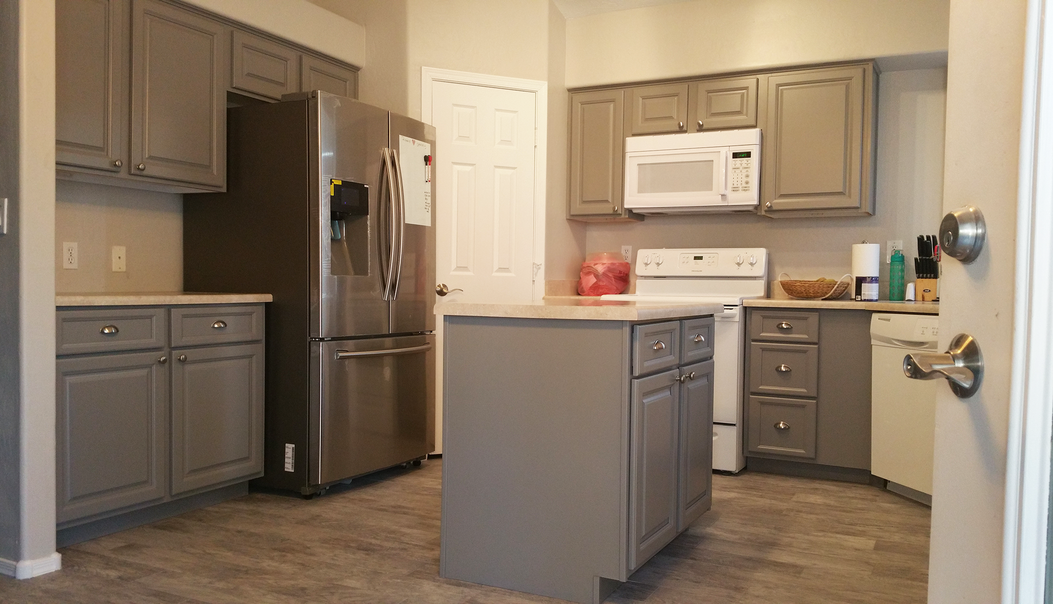 Grey White Custom Kitchen Large - Better Than New Kitchens