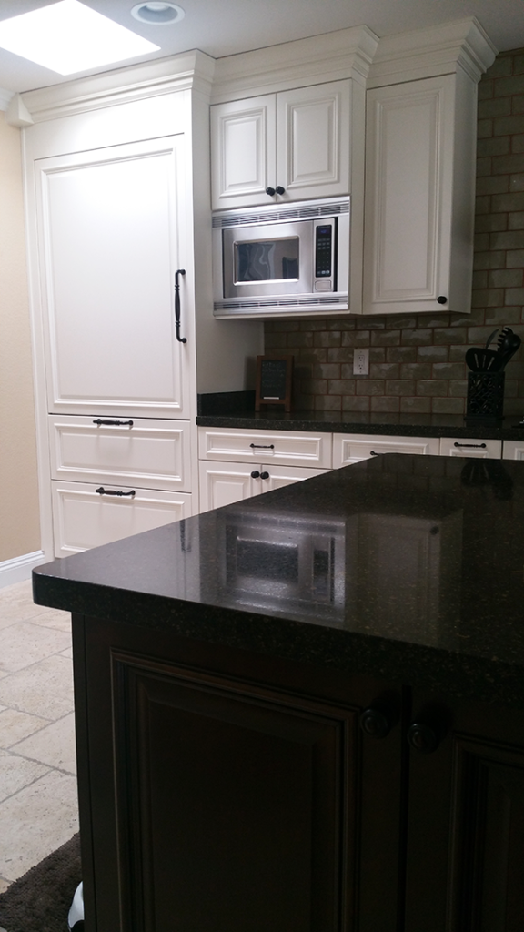 Phoenix White Kitchen Reface FA4