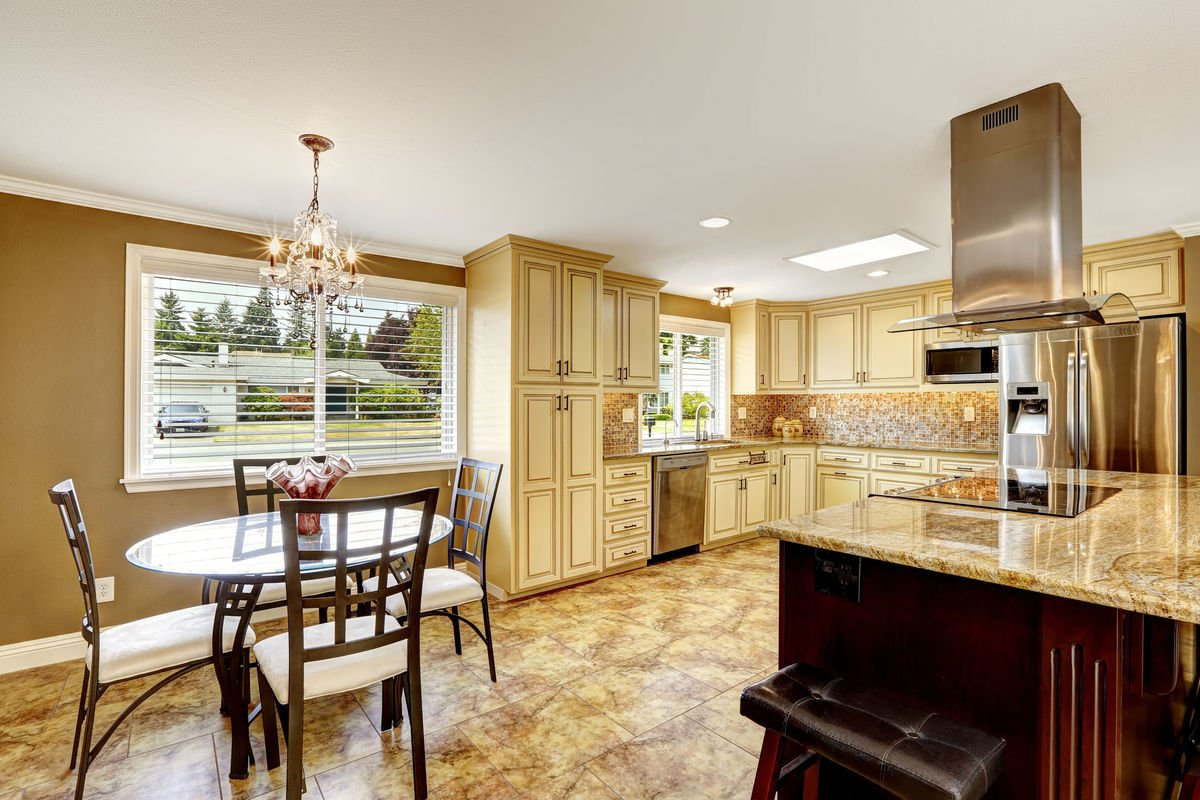 3 Ways to Update Your Cupboards: Cabinet Resurfacing and More
