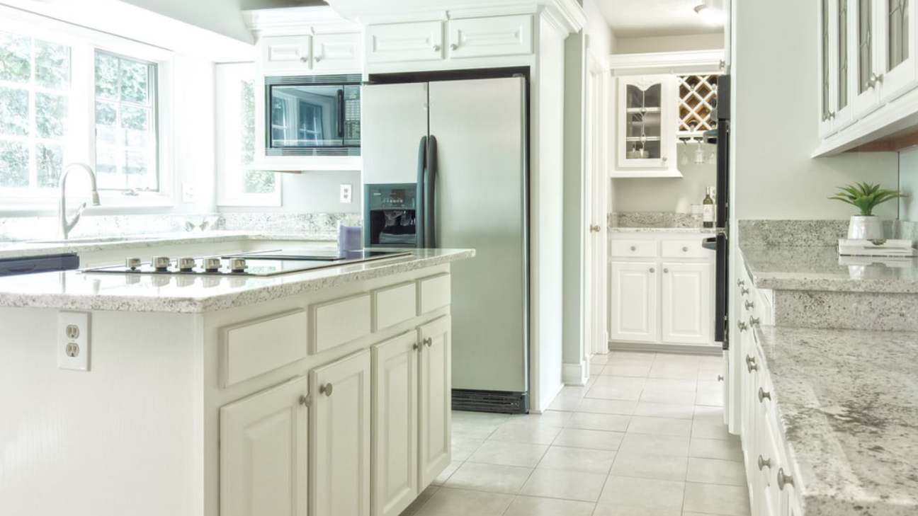 Image of: The Difference Between Refinishing And Refacing Kitchen Cabinets Better Than New Kitchens